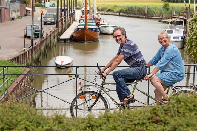 Dem Stress davonradeln: Die Präventologen Birte Riel und Dr. Frank J. Maier aus Freiburg an der Elbe wissen, was Körper und Geist guttut.