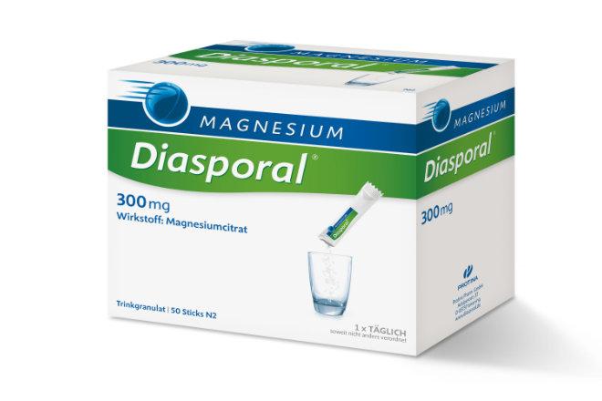 Die DGE empfiehlt täglich 300 bis 400 Milligramm Magnesium. Apotheken-Präparate mit Magnesium-Citrat sind besonders körperverträglich und schnell aktiv.