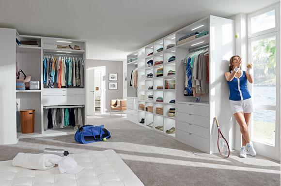 Ein begehbarer Kleiderschrank sollte individuell geplant werden ...