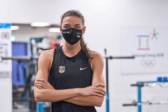 Die Maske schützt und unterstützt deutschen Olympia- und Paralympics-Kaderathleten wie Christina Hering, achtfache Deutsche Meisterin im 800-Meter-Lauf.
