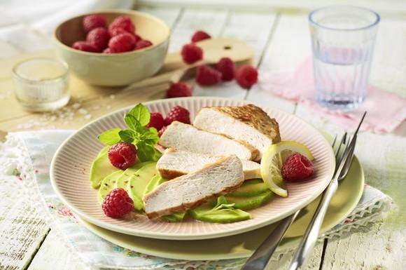 fit food gefl gelgenuss mit obst h hnchengeschnetzeltes mit erdbeeren und spargel. Black Bedroom Furniture Sets. Home Design Ideas