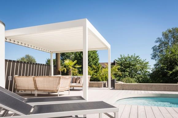 freiraum in elegantem design mit einem multifunktionellen pavillon die outdoor saison entspannt. Black Bedroom Furniture Sets. Home Design Ideas