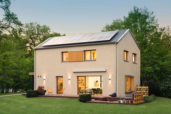 Zwei Wohneinheiten für alle Generationen: Eine solche Immobilie kann in allen Größen als Zweifamilienhaus geplant werden.