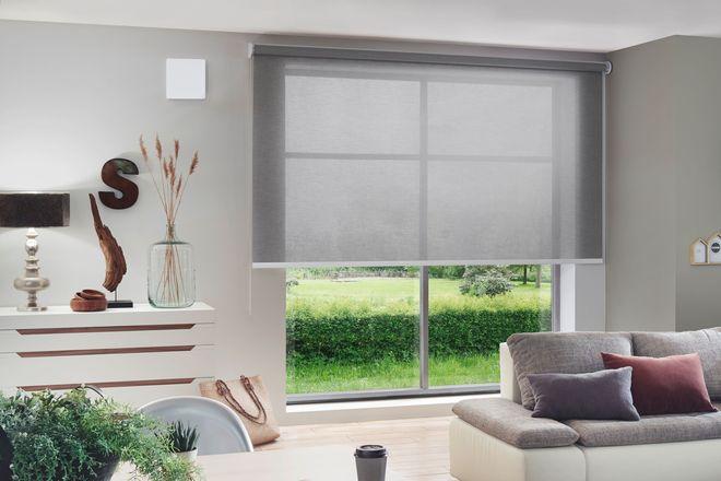 Je mehr gelüftet wird, desto geringer die Virenkonzentration: Die Platzierung von dezentralen Geräten direkt in den Außenwänden ermöglicht es, eine kontrollierte Wohnungslüftung einfach nachzurüsten.