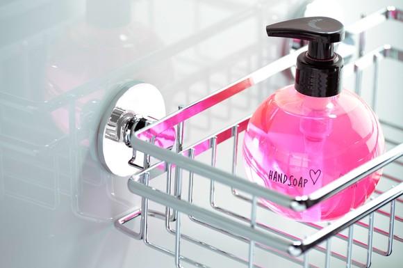 intelligentes klebesystem macht das aufbohren von fliesen im bad berfl ssig ratgeberbox. Black Bedroom Furniture Sets. Home Design Ideas
