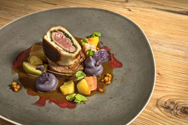 Auf sogenannten Genussbühnen quer durch die Region präsentieren sich die kreativsten Köche und Produzenten der Region mit ihren unterschiedlichen kulinarischen Ideen.