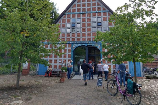 Etappenziel im Wendland: Das Rundlingsmuseum Lübeln bringt die einzigartigen Dörfer der Region näher.
