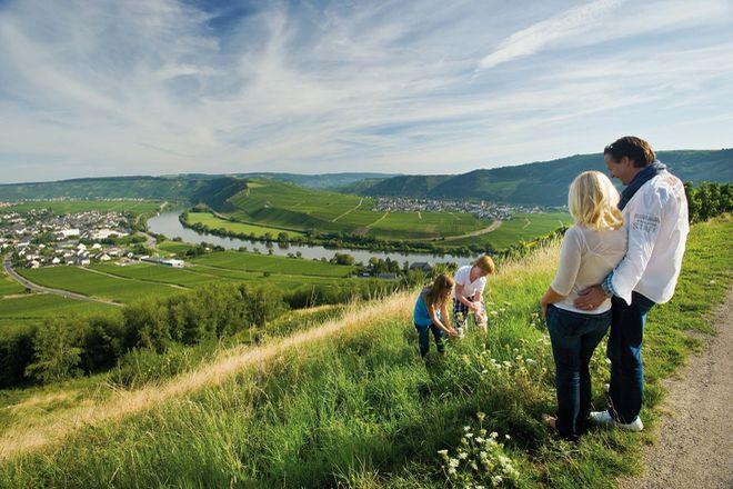 Vom Ferienpark Sonnenberg an der Mosel aus kann man Ausflüge in eine sehenswerte Landschaft unternehmen.