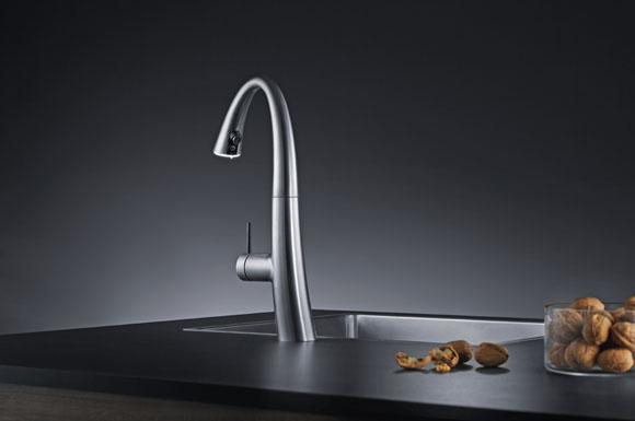Sieht aus wie Edelstahl: Schicke Küchenarmaturen aus innovativen ...