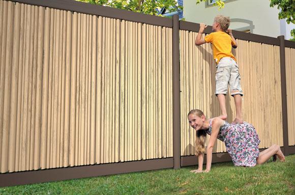Sichtschutz auf die individuelle Art: Zäune für den Garten lassen ...