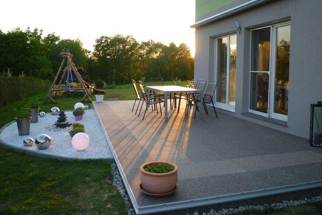 Sonnige Aussichten für die Gartensaison: Mit einem neuen Belag wirkt die Terrasse noch wohnlicher und gemütlicher.