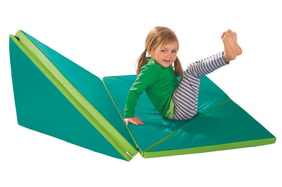 Rutsche, Sessel, Lieblingsplatz   Eine Klappmatte Sorgt Für Bewegung Im  Kinderzimmer.