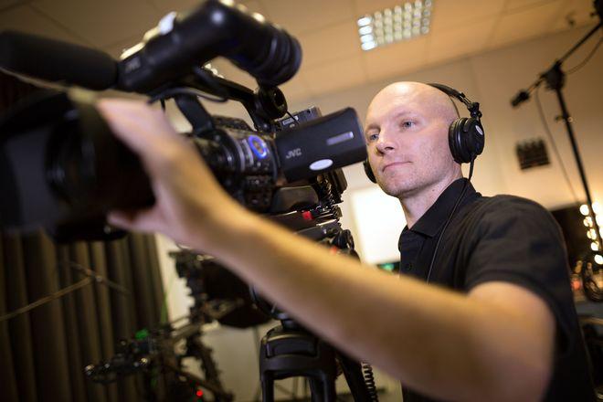 Ralf Biebeler steht mittlerweile nicht mehr selbst hinter der Kamera, kümmert sich aber auch während seines Auslandssemesters um sein Unternehmen in Deutschland.