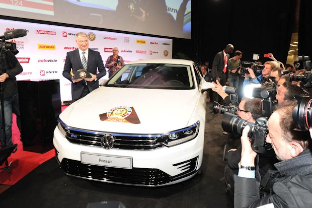 "Gewann überlegen den Titel ""Car of the Year 2015"" - der Volkswagen Passat."